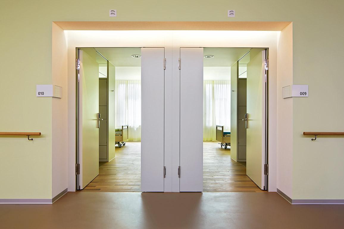 portes pour handicap s frank t ren ag. Black Bedroom Furniture Sets. Home Design Ideas